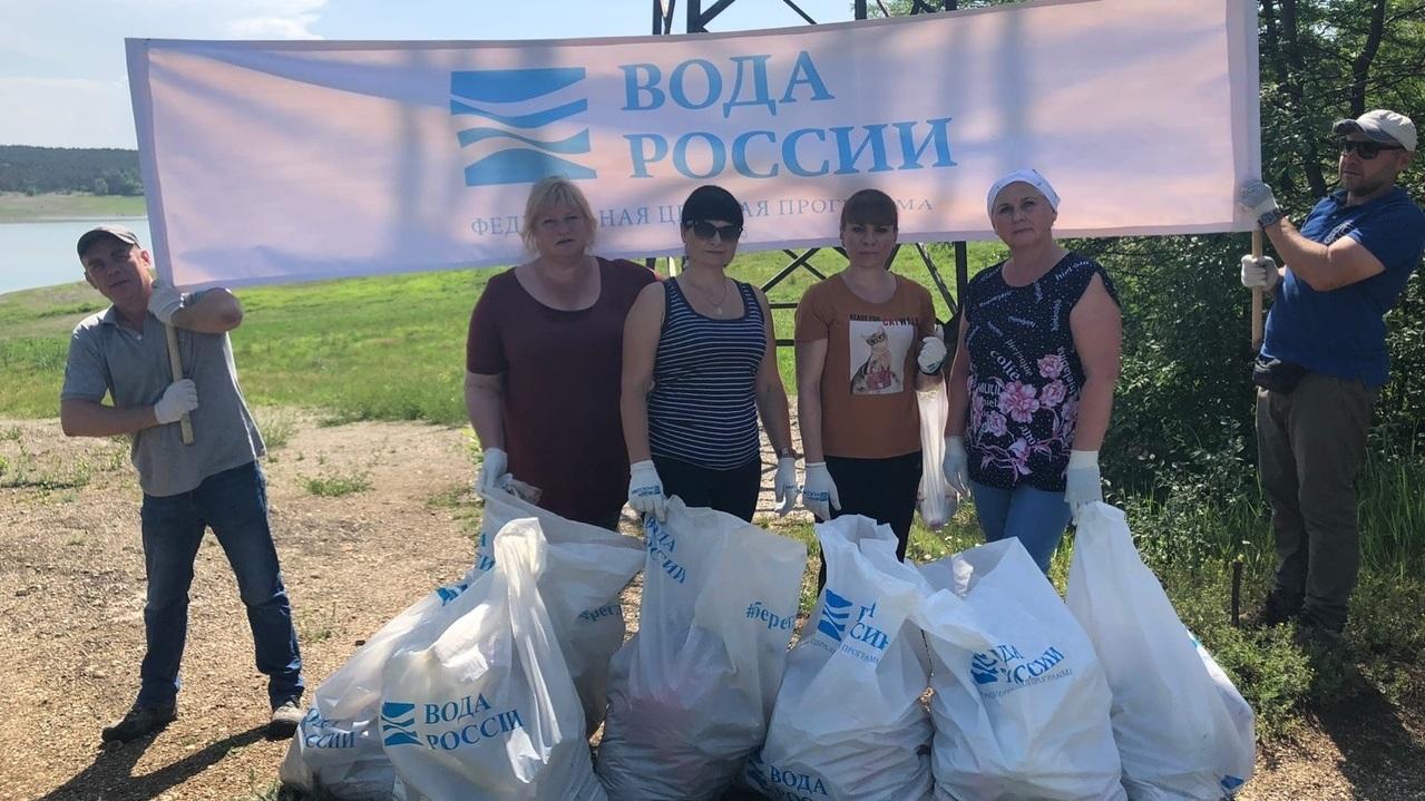 Госкомводхоз приглашает всех желающих принять участие в мероприятиях по уборке прибрежных полос и водоохранных зон водных объектов Крыма от бытового мусора и древесного хлама