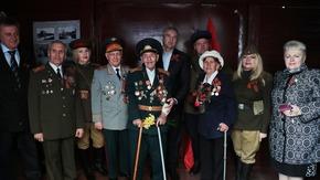 Сергей Аксёнов в день 75-й годовщины освобождения Симферополя от немецко-фашистских захватчиков встретил «Поезд Победы»