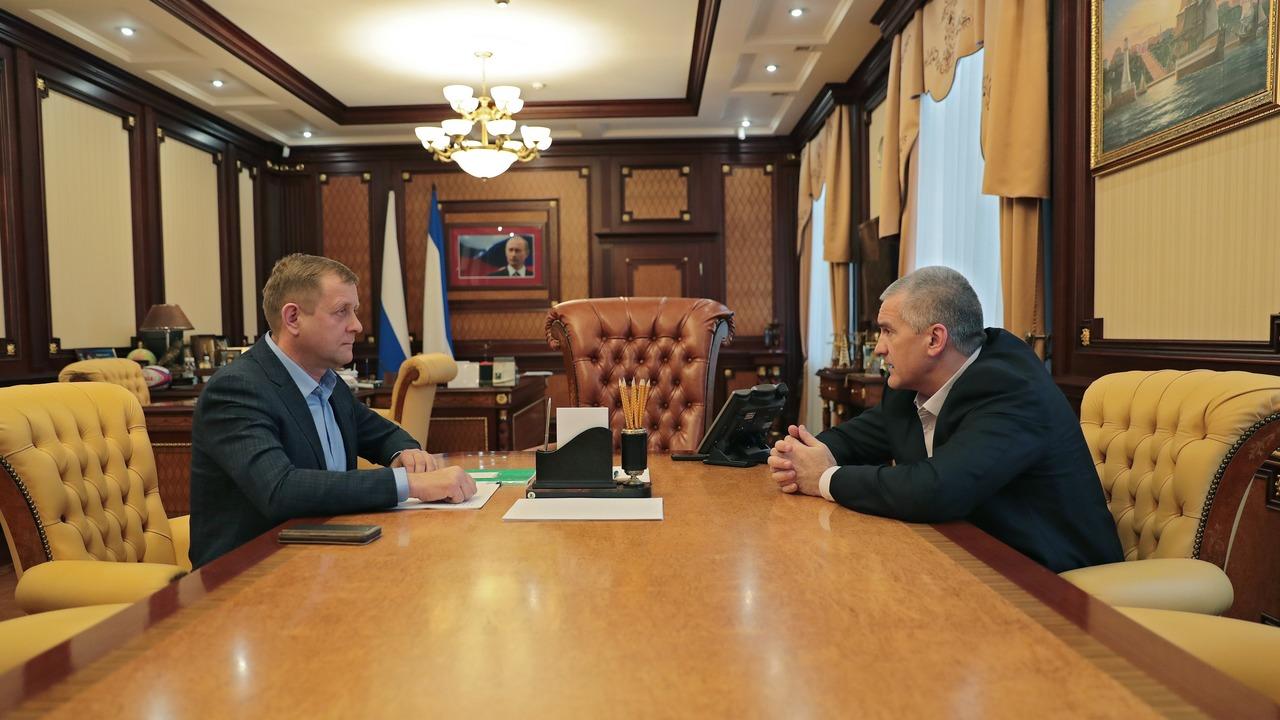 Сергей Аксёнов обсудил с Олегом Зубковым вопрос функционирования парка львов «Тайган»