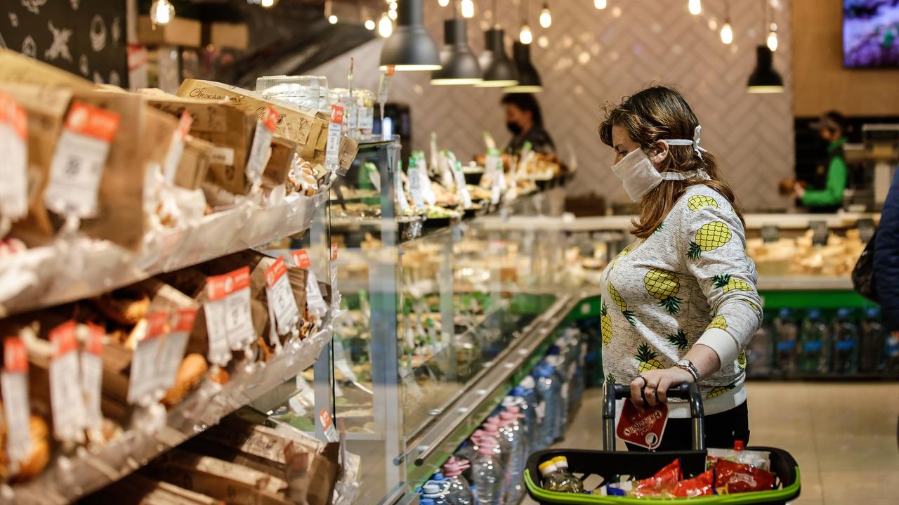 В республике будет проводиться еженедельный мониторинг стоимости социально значимых продуктов питания – Сергей Аксёнов