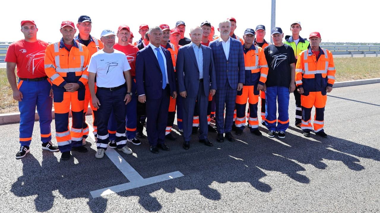 Сергей Аксёнов принял участие в открытии Владимиром Путиным рабочего движения по четырем полосам трассы «Таврида»