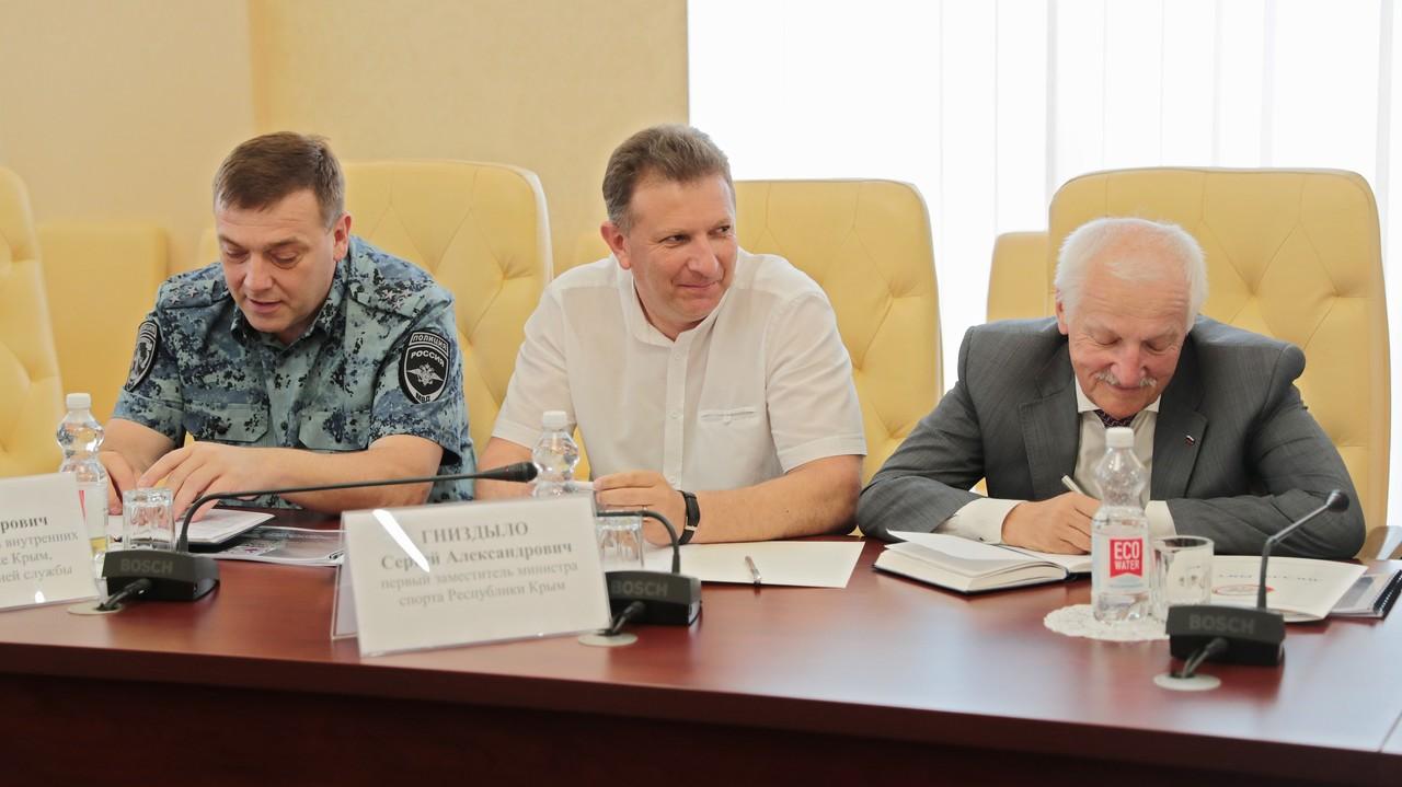 Сергей Аксёнов: Региональное отделение ДОСААФ ежегодно будет получать поддержку из республиканского бюджета в размере 30 млн рублей