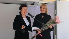 Арина Новосельская вручила ключи от нового автоклуба, приобретенного в рамках национального проекта «Культура»