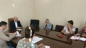 Под председательством Леонида Михалевского прошло заседание рабочей группы Республиканской трехсторонней комиссии по регулированию социально-трудовых отношений